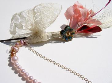 Pinkandlacehairclose